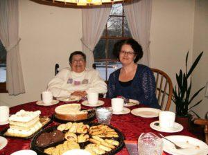 Auntie Phyllis & Michele (appor 2010)