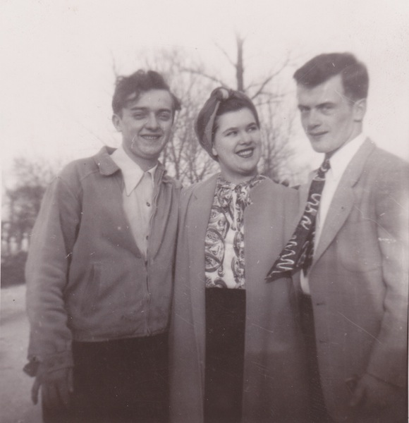 8 Dad, Auntie Phyllis, Uncle Richard -